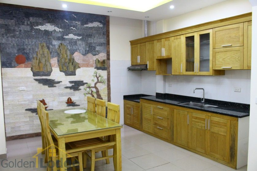 Unfurnished house in Long Bien to rent near Ngoc Thuy market 2