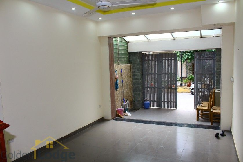 Unfurnished house in Long Bien to rent near Ngoc Thuy market 4