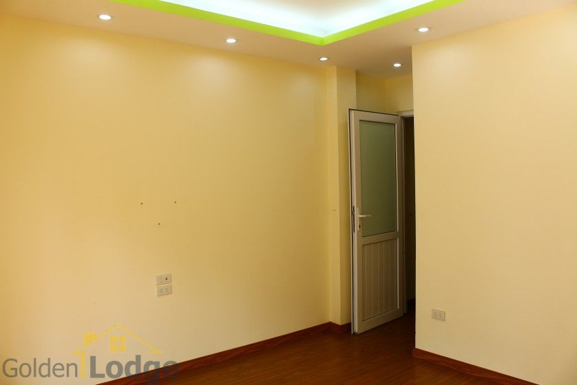Unfurnished house in Long Bien to rent near Ngoc Thuy market 12