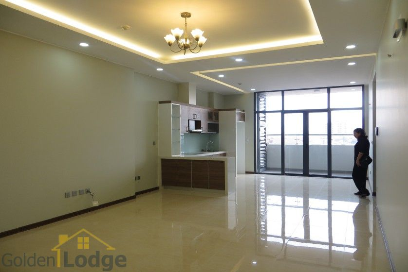 Unfurnished Trang An Complex apartment with 3 beds, 2 shower rooms 1