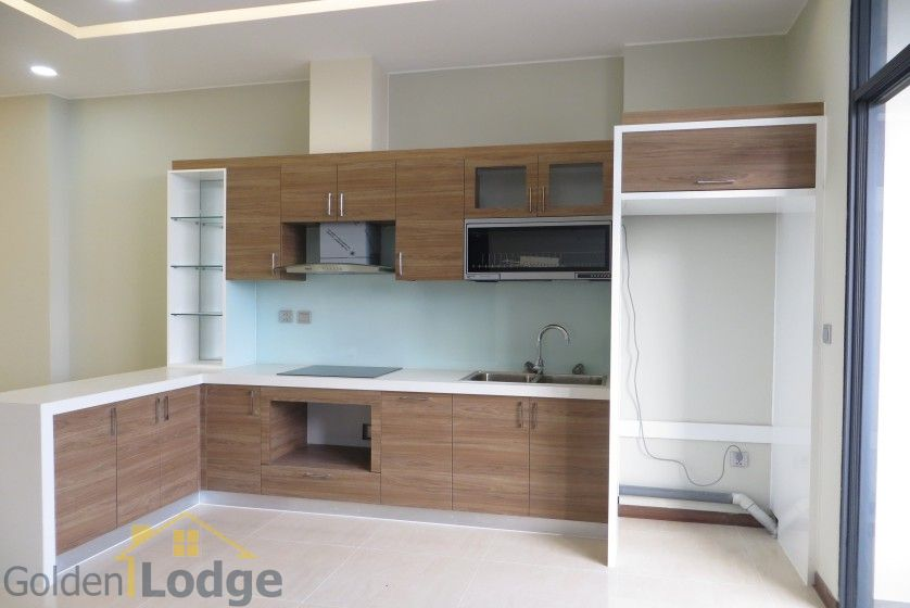 Unfurnished Trang An Complex apartment with 3 beds, 2 shower rooms 3