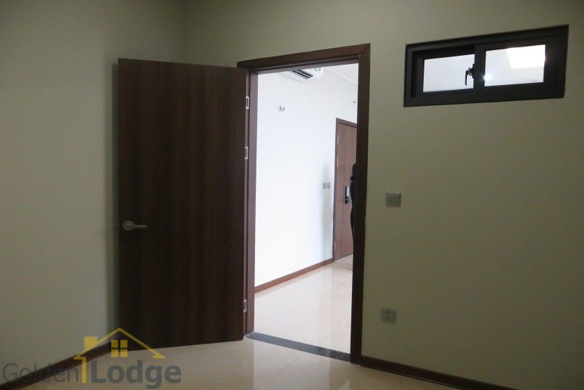 Unfurnished Trang An Complex apartment with 3 beds, 2 shower rooms 6
