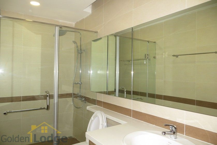 Unfurnished Trang An Complex apartment with 3 beds, 2 shower rooms 7