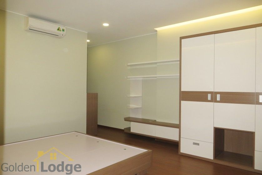 Unique 2 + 1 bedroom apartment rental in Trang An Complex furnished 13