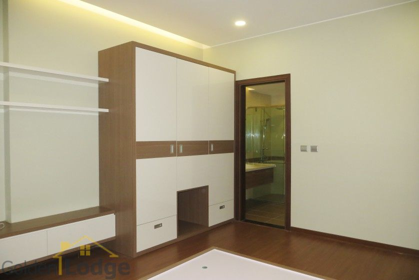 Unique 2 + 1 bedroom apartment rental in Trang An Complex furnished 14
