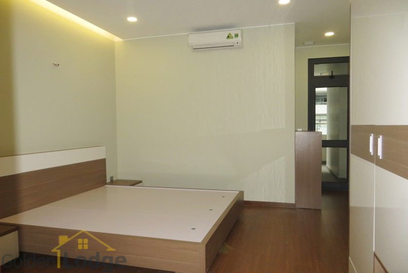 Unique 2 + 1 bedroom apartment rental in Trang An Complex furnished 15