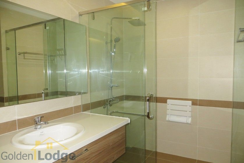 Unique 2 + 1 bedroom apartment rental in Trang An Complex furnished 17