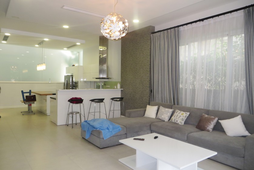 Vinhomes Riverside villa rental 4 bedrooms, modern furniture