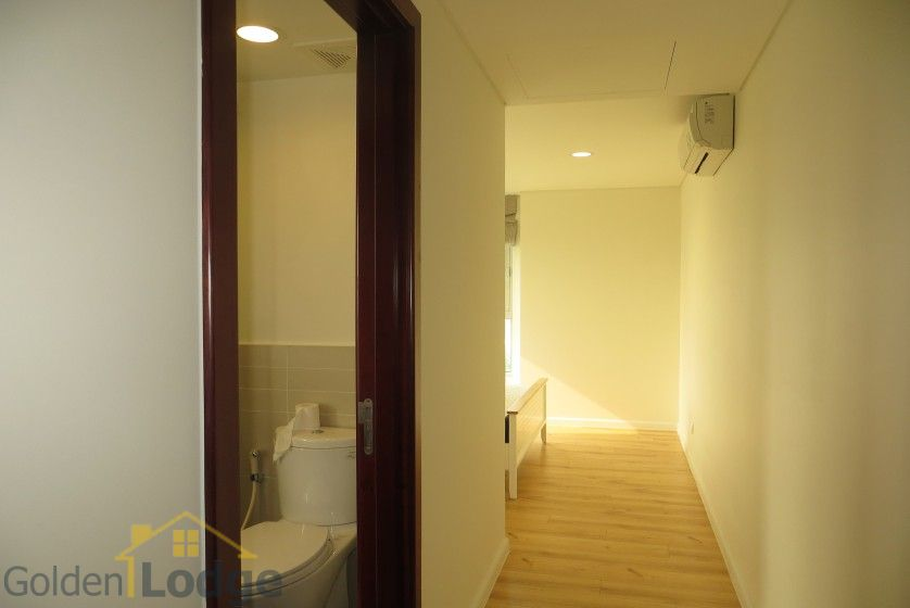 Watermark Hanoi 02 bedroom apartment for rent 86m2 10